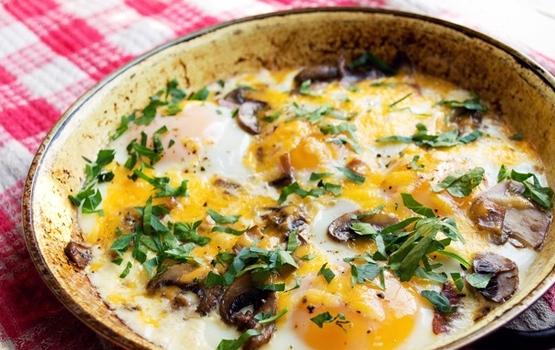 Pieczone jajka z wołowiną